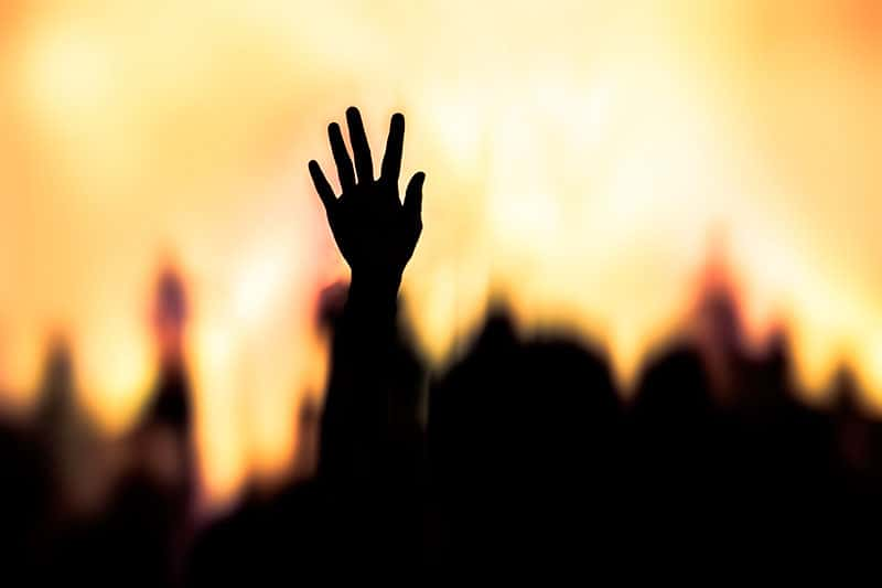 As músicas evangélicas são uma forma de adorar a Deus